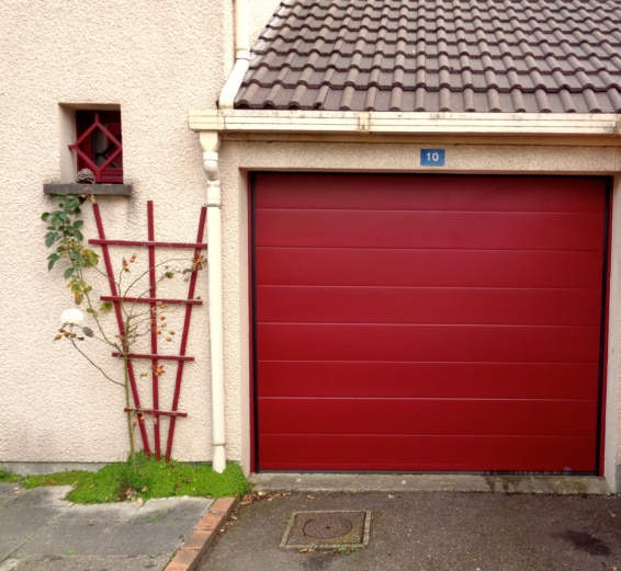 Installation de porte de garage sectionnelle et mod les for Installer chatiere porte garage